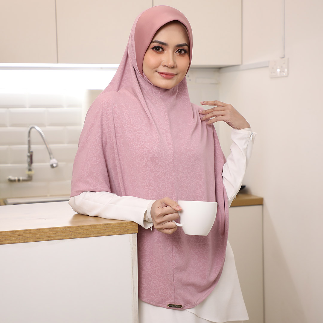 Simple but exclusive with Sarung Plain <br> Now RM 49.50 | <s>Normal Price RM 99</s>