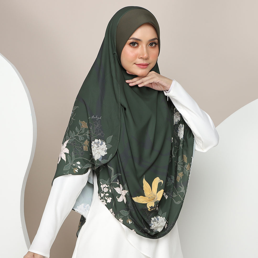 Attractive flower with Instant Big Awning <br> Now RM 52.50   <s>Normal Price RM 105</s>