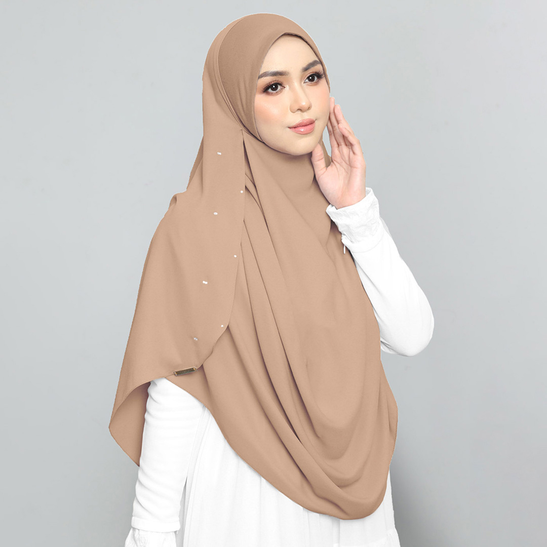 Be muslimah with Big Swarovski Awning Cotton <br> Now RM 50.00 | <s>Normal Price RM 85</s>