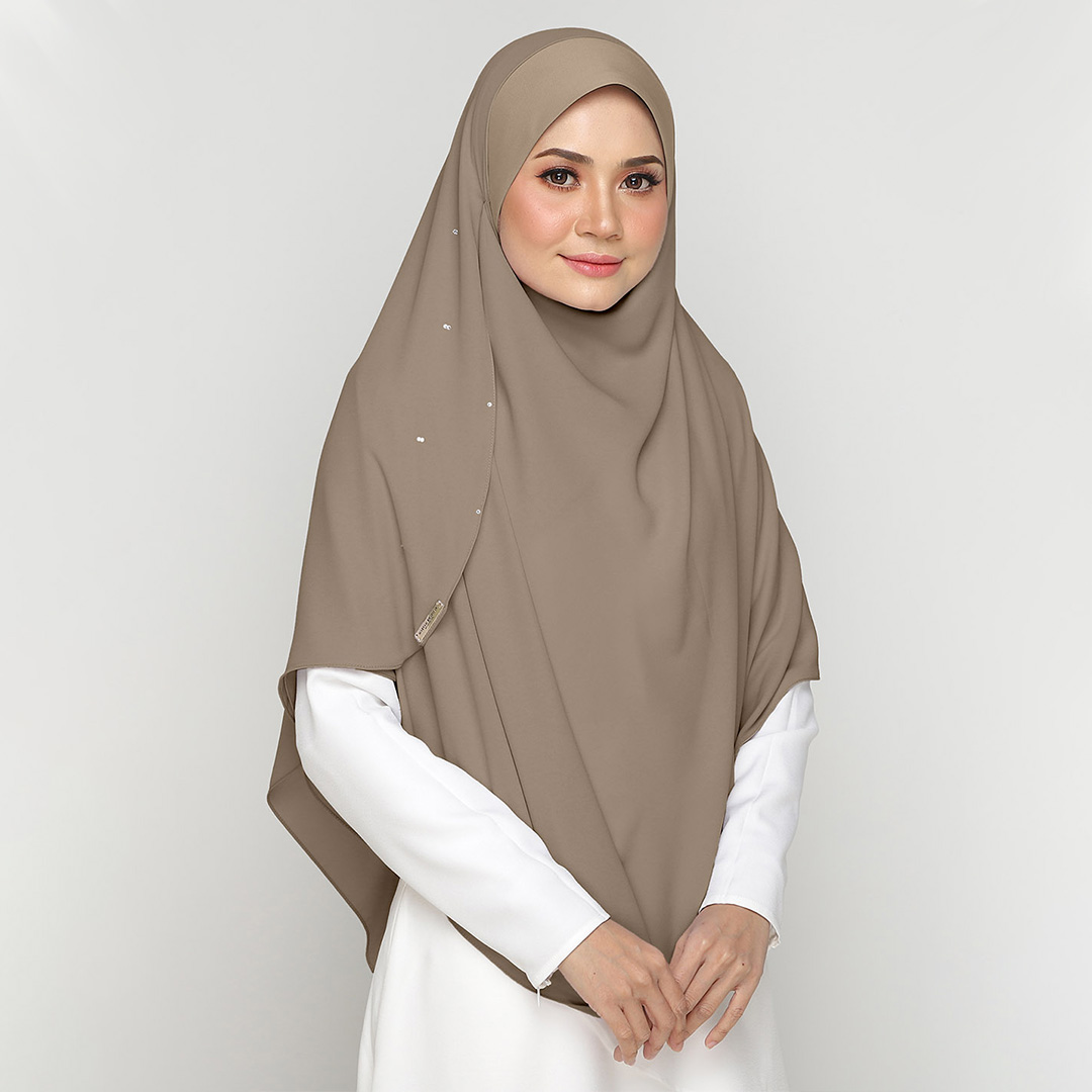 Be muslimah with Big Swarovski Awning Scuba<br> Now RM 42.50   <s>Normal Price RM 85</s>
